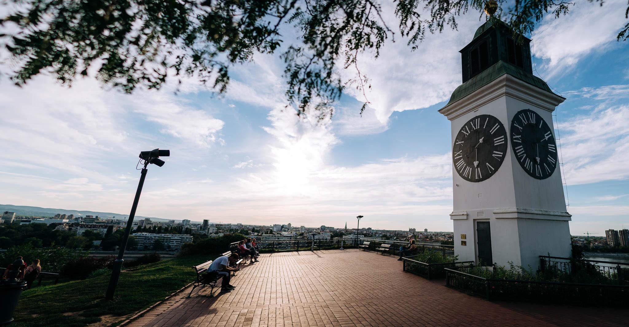 Petrovaradin sat pogled na Novi Sad