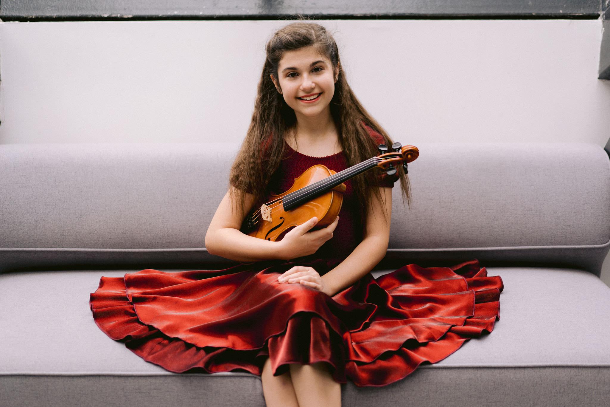 Lana Zorjan portret, violina