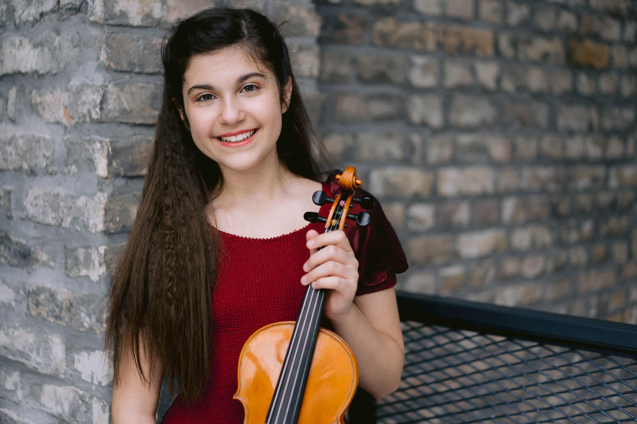 Lana Zorjan portret violina