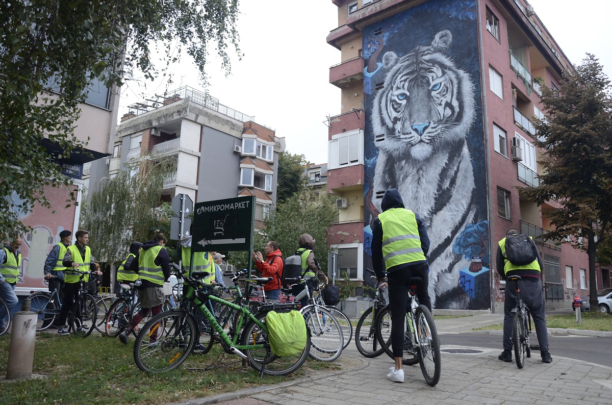 Street art bicikl tura